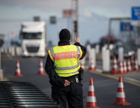 Restrictions on crossing the border by foreigner: who has now the right to enter Poland?